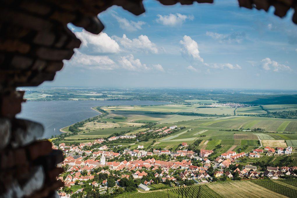 Vyhled-z-hradu-devicky-na-Pavlov
